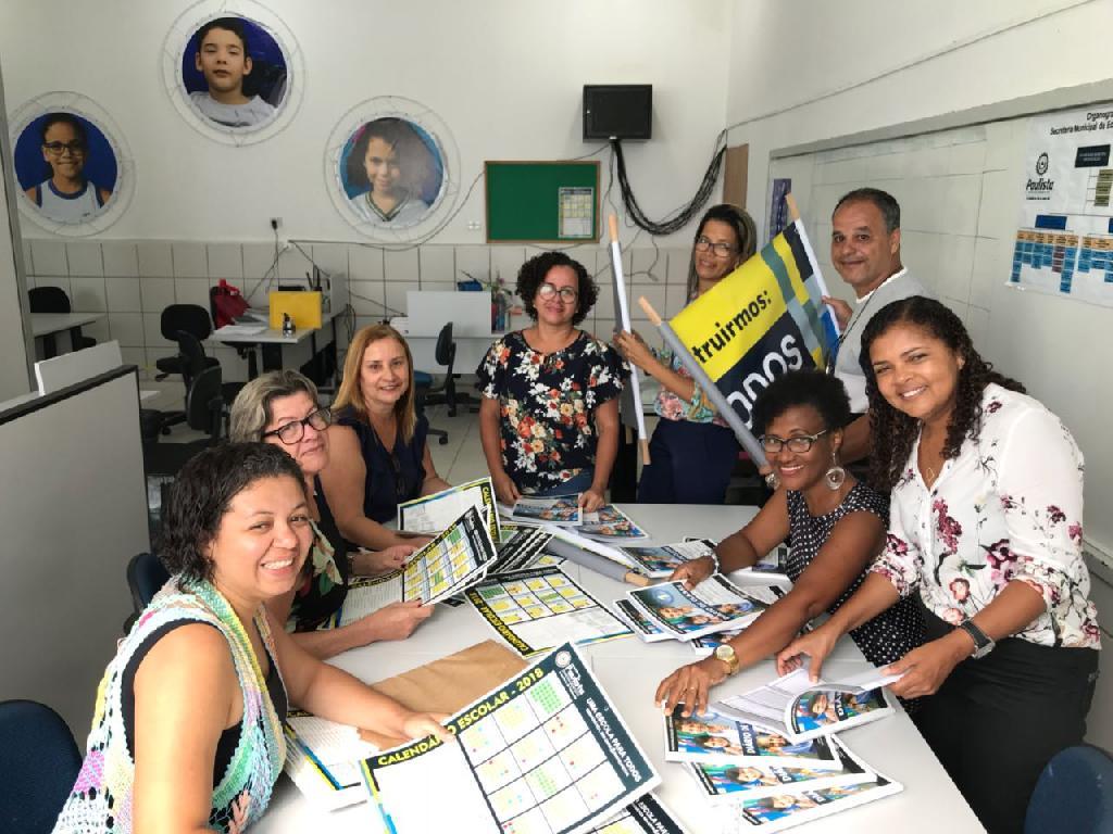 8a68371b05 A equipe técnica da Secretaria de Educação do Paulista se reuniu nesta  quarta-feira (24), na sede do órgão, para organizar a entrega dos materiais  que serão ...